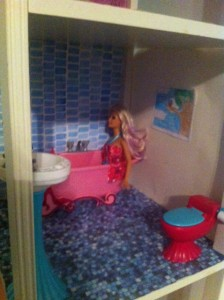 This is the one room that I have finished(except I still need a few finishing touches) in my Barbie house– the bathroom